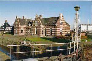 Lemmer-zeesluis1-700x467